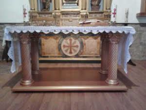 Aspecto final del altar